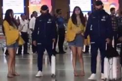 Virat Kohli Refuses To Selfies At The Airport Over Coronavirus Scare