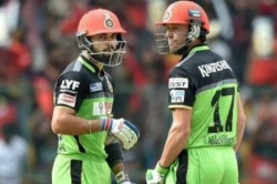 Kohli De Villiers Set To Auction Their Green Day Kits From 2016 Ipl Match To Raise Funds