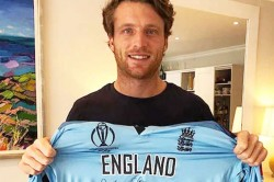 Jos Buttler Raises 65 100 Pounds For Cornavirus From World Cup Final Jersey
