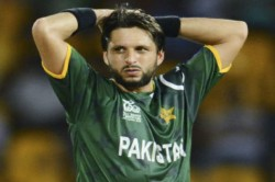 When Shahid Afridi Was Caught Biting The Ball During A Odi