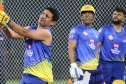 When Ms Dhoni Pulled Piyush Chawla S Legs During Csk S Training Session