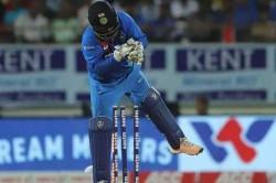 Brad Hogg Reveals Who Should Keep Wickets For Teamindia Among Rishabh Pant Kl Rahul Wriddhiman