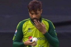 England Vs Pakistan Mohammad Amir Violating Saliva Rule In 1st T20i