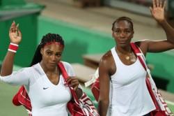 Serena Williams Beats Venus Williams At Top Seed Open