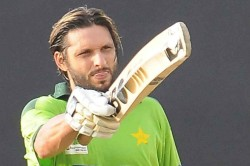 Shahid Afridi Used Sachin Tendulkar S Bat To Score Fastest Century It Made Him A Batsman Says Azhar