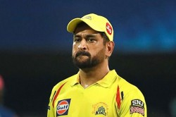 Ipl 2020 Varun Chakravarthy Engages In A Conversation With Csk Captain Ms Dhoni