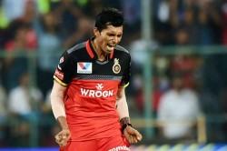 Ball Slips Out Of Rcb S Navdeep Saini S Hands And Hits Rr Batsman Rahul Tewatia On Chest