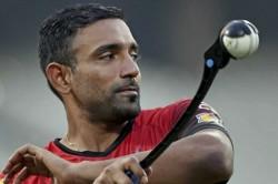 Rr Vs Kkr Robin Uthappa Applies Saliva On The Ball Against Kkr Match
