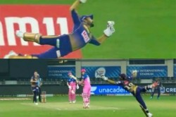 Ipl 2020 Kkr Vs Rr Watch Dinesh Karthik Flies Like A Bird To Pull Off One Handed Stunner Catch