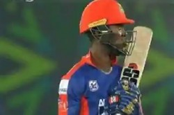 Twitter Reactions After Sherfane Rutherford Dons Mumbai Indians Gloves In Psl 2020 Playoffs