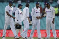 India Vs Australia Ravindra Jadeja Jasprit Bumrah Strikes Dent Australia