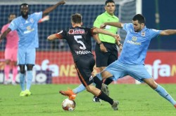 Isl 2020 21 Fc Goa Hold Mumbai City Fc To 3 3 Draw After Late Strike From Ishan Pandita