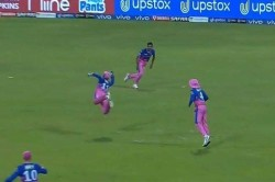 Rr Vs Dc Sanju Samson Takes A Brilliant One Handed Catch To Send Shikhar Dhawan
