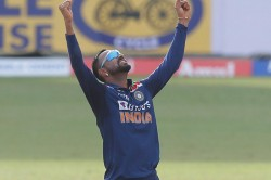 Krunal Pandya Brutal Trolls Indian Fans And Sri Lankan Fans Roasted The Indian All Rounder