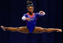 Tokyo Olympics 2020: అమెరికాకు భారీ షాక్.. సిమోన్ బైల్స్కు గాయం! టీమ్ ఈవెంట్ నుంచి ఔట్!