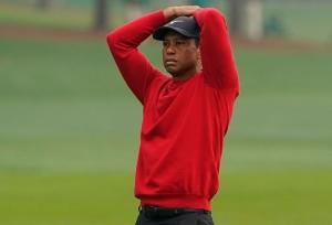 Tiger Woods కారు బోల్తా.. కాళ్లకు తీవ్ర గాయాలు!!