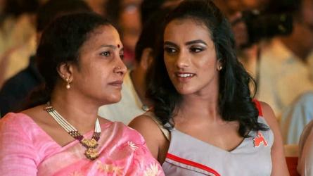 '#మీటూ' ఉద్యమం: లైంగిక వేధింపులపై పీవీ సింధు స్పందన ఇదీ