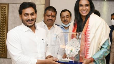 PV Sindhu: వైఎస్ జగన్ ఆశీర్వాద బలంతో పతకం: ఏపీ నుంచి మరింత మంది సింధూలు తయార్